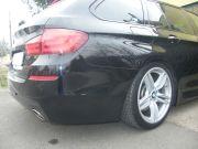BMW F11 535i twin turbo hátsó sportkipufogó dobok egyedi rozsdamentes kerek díszvéggel