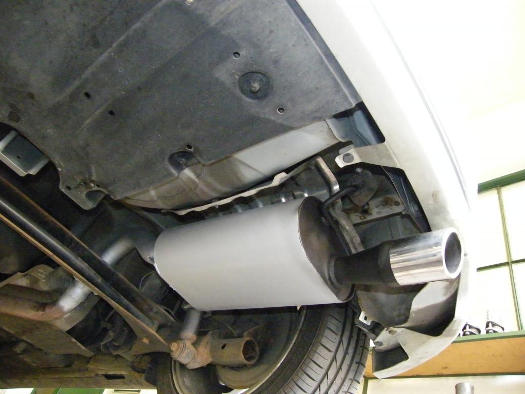 Toyota Corolla 1.8 TS utángyártott hátsó kipufogódob csere tartozékokkal