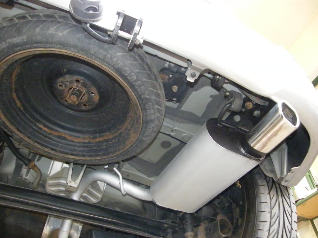 Toyota Corolla Verso utángyártott hátsó kipufogódob csere rozsdamentes ovál díszvéggel